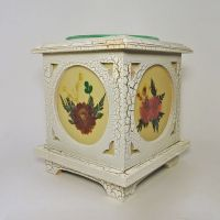 Wood with Floral Panes No. 04 Electric Oil Tart Warmer
