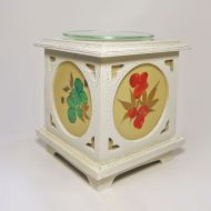 Wood with Floral Panes No. 08 Electric Oil Warmer