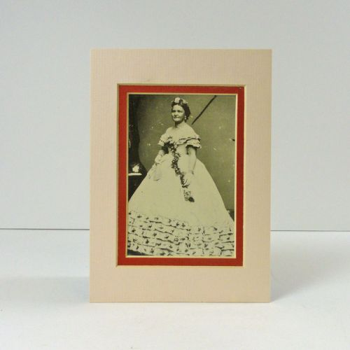 Mary Todd Lincoln Double Matted Vintage Postcard