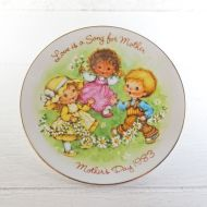 Avon 1983 Mothers Day Collector Plate