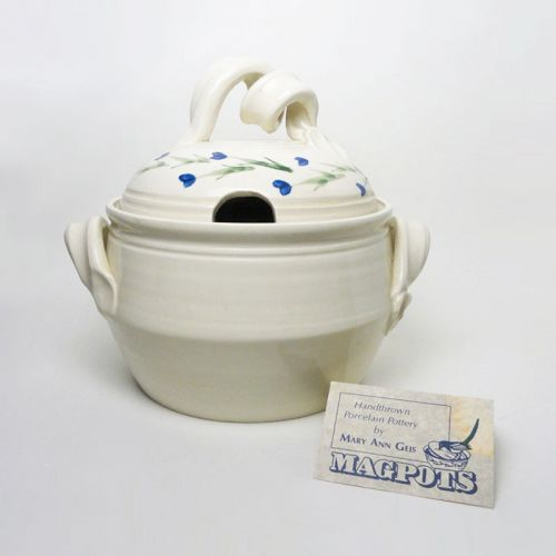 Magpots Signed Handthrown Vintage Porcelain Soup Tureen